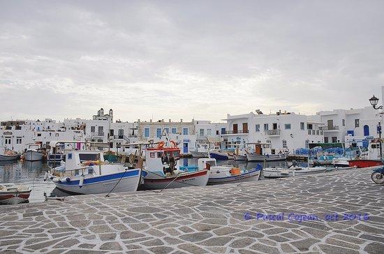 Le port de Naoussa, au nord de Paros
