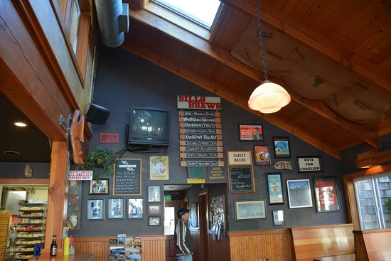 Bill's Tavern & Brewhouse: Local's favorite