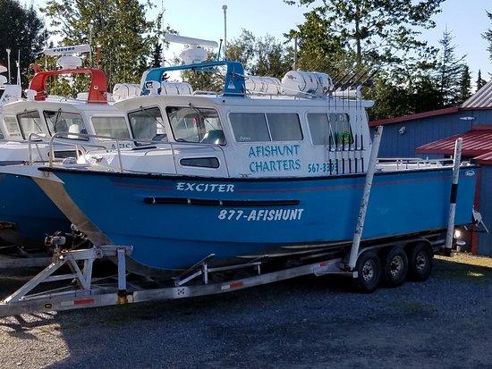 Ninilchik, AK: Halibut charter boats
