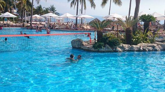 Sheraton Buganvilias Resort & Convention Center Photo