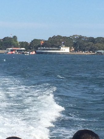 Rose Bay, Australia: The view of location of Catalina as the ferry takes us back to Circular Quay