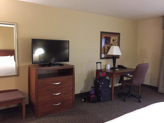 Holiday Inn Express Hotel & Suites Lewisburg: photo1.jpg
