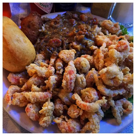 Dudley's Cajun Cafe: Awesome crawfish combo - fried and étouffée with dirty rice!