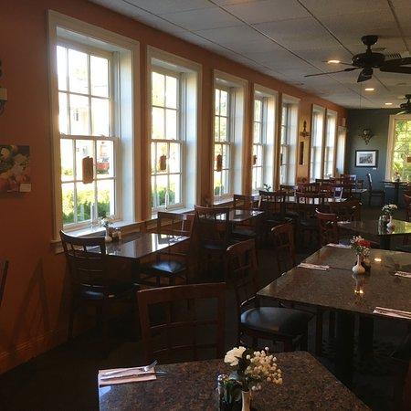 Yardley, Pensilvanya: Inside dining.