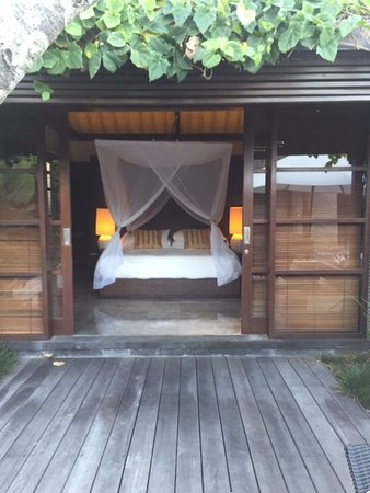Peppers Seminyak: Our Villa with its large 4 posted king size bed
