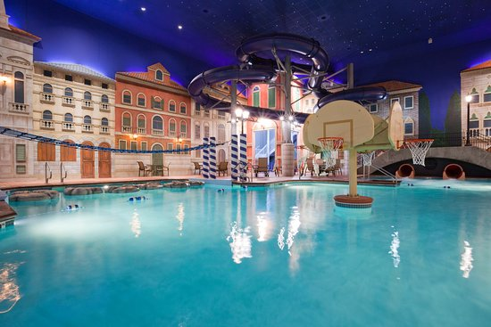 Venetian Indoor Waterpark: Kids of all ages will enjoy our private weekend Waterpark.