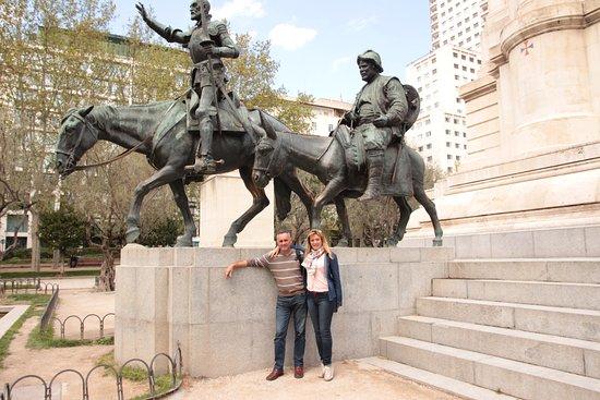 Resultado de imagen de MONUMENTO AL QUIJOTE EN MADRID