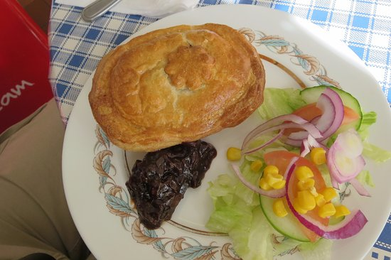 Heddon-on-the-Wall, UK: meat pie