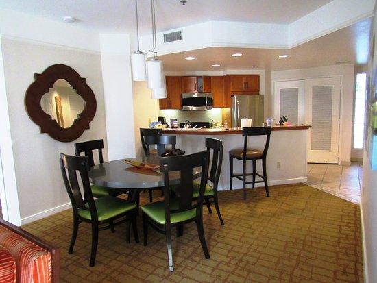 Marriott's Shadow Ridge I-The Villages: Dining/kitchen area