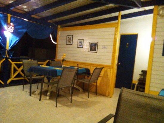 Blue Bead Bar & Restaurant: balcony corner view