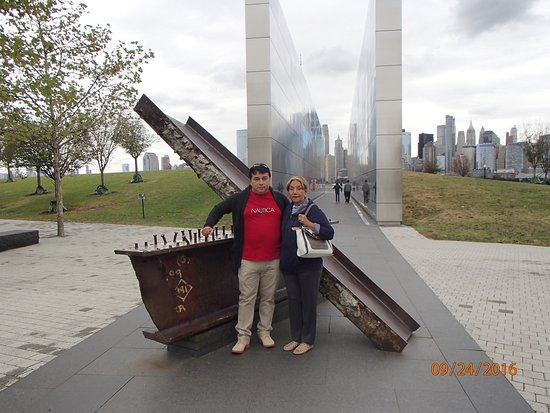 ‪‪Liberty State Park‬: Viga de acero del World Trade Center‬