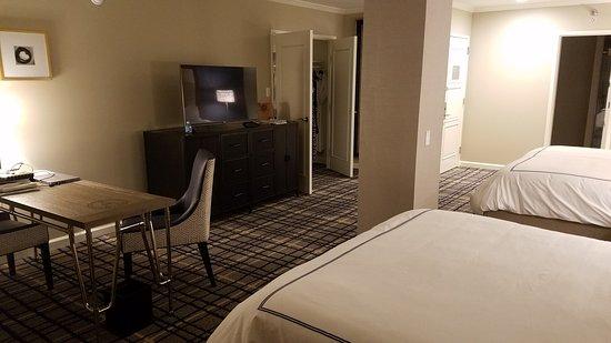 Adolphus Hotel: 20161017_215025_large.jpg