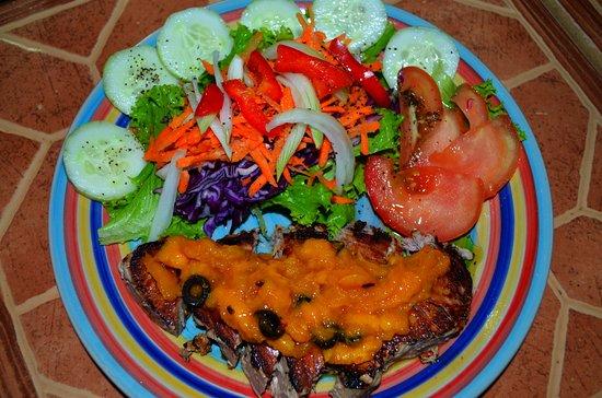 Punta Uva, คอสตาริกา: Atun en salsa mango
