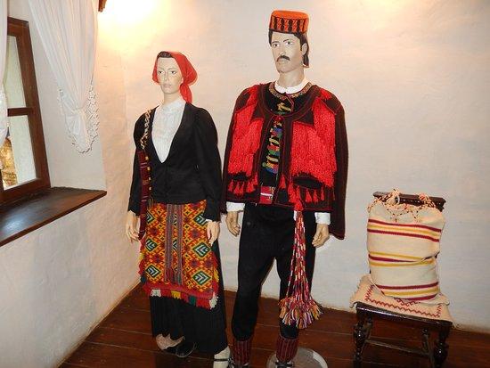 Шибенско-Книнская жупания, Хорватия: traditional dress
