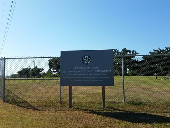 Waveland, Миссисипи: park entrance