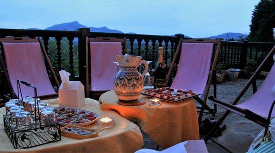 Villa La Croix Basque : Sangria avec vue ...