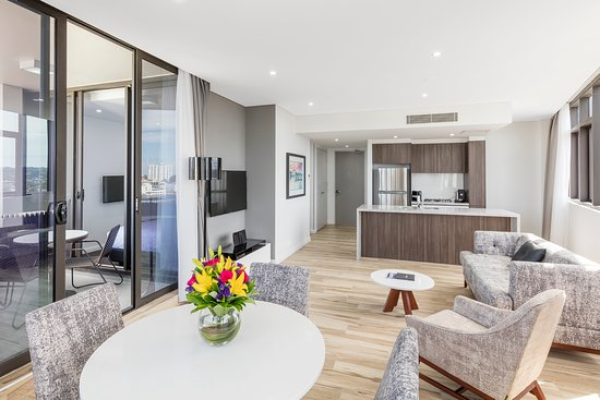 Meriton Serviced Apartments Church Street, Parramatta