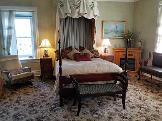The Park Avenue Mansion Bed & Breakfast