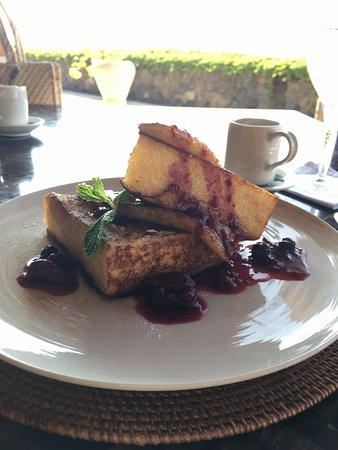 Manggis, Indonesien: 朝食に食べたパンケーキ 程よい甘さ