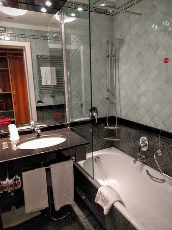 Brunelleschi Hotel: Superior single #326, renovated