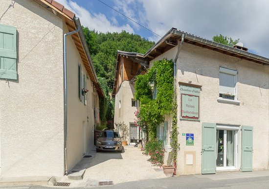 Le Gua, France : getlstd_property_photo
