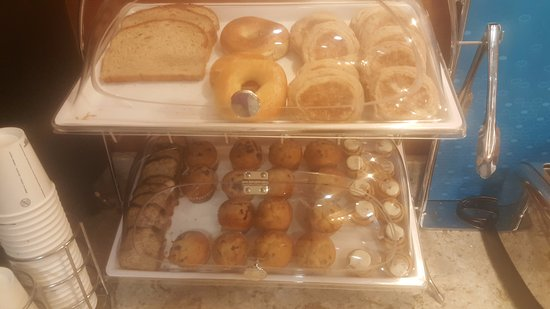 Pasco, WA: Muffins and bread
