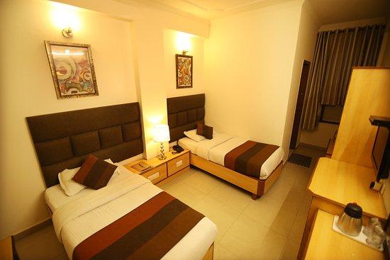 Photo of Hotel Parkway Deluxe New Delhi