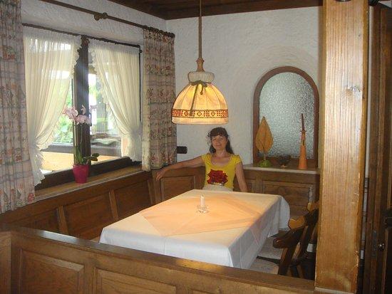 Frasdorf, Duitsland: Один из уютных уголков ресторана