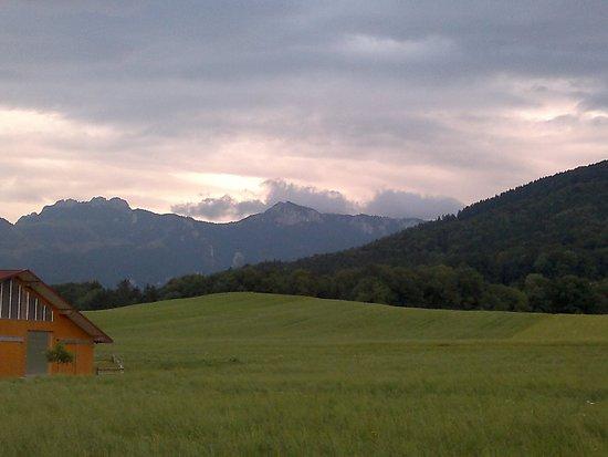 Frasdorf, Duitsland: В Альпах наступает вечер