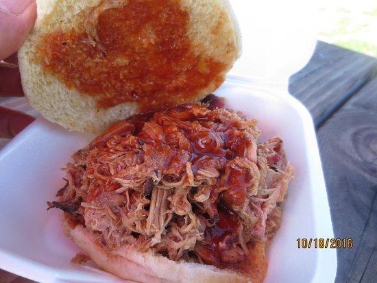 Middlefield, CT: pulled pork sandwich w/sauce