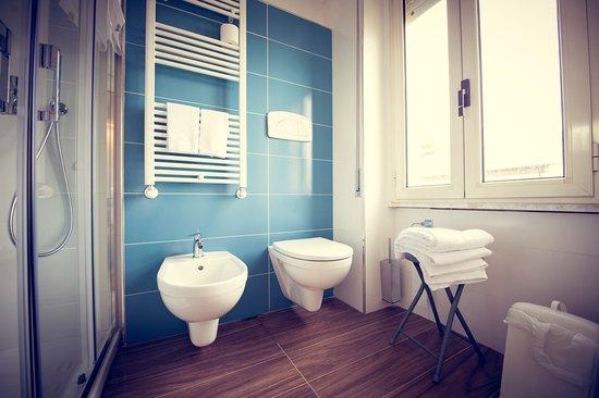 Sanitari e termoarredo nei bagni delle nuove camere superior 2016 ...