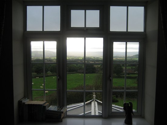 Angel House Bed & Breakfast: Lying in bed with this view... Television not required!