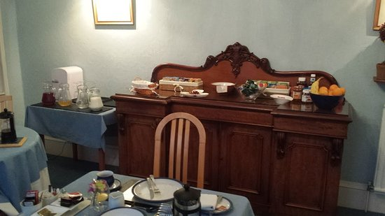 Crown Hotel Guesthouse: Breakfast in the Crown Guest House at 08:48 on 15 October 2016