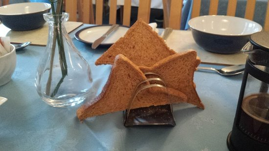 Crown Hotel Guesthouse: Warmed up bread masquerading as toast at breakfast in the Crown Guest House on 15 October 2016