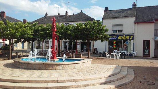 Missillac, França: La Fontaine