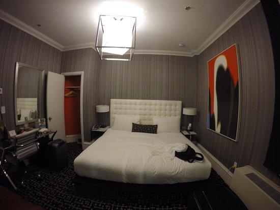 Moderne Hotel: Pequeno mas confortável