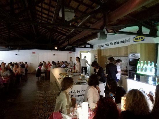 Binissalem, Spania: Cata Solidaria en el Mercat Gastronómic de Sant Joan / Charity Tasting in Sant Joan Gourmet Mark