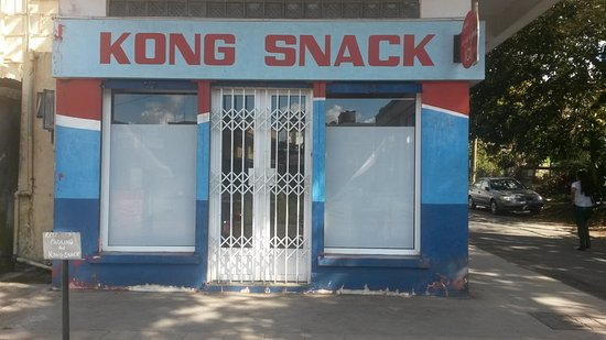 Curepipe: Kong Snack NOT Front door.