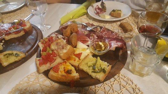 Vicchio, Italy: 20161015_201914_large.jpg