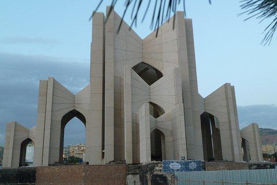 Poets Tomb (Maqbaratol Shoara): Hoffentlich bald wieder offen