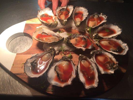 Albury, أستراليا: The Barra Board & Bloody Mary Oysters