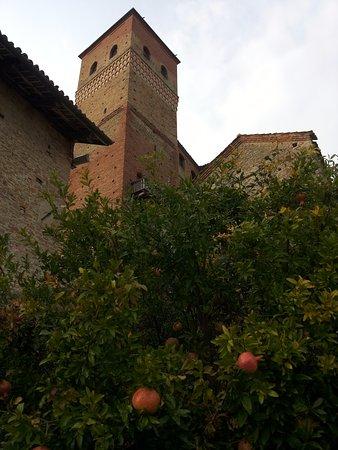 Serralunga d'Alba, Italien: castello serralunga d alba
