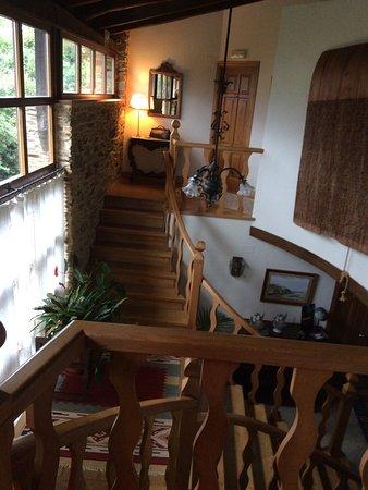 Figueras, Spain: escalier intérieur accès aux chambres à l'étage