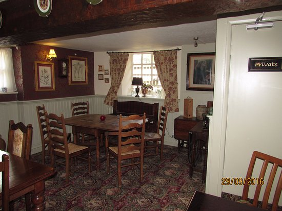 White Lion Inn: End of Lounge