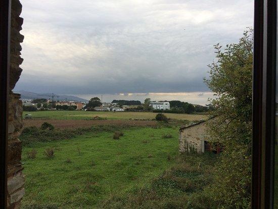 Figueras, Spain: vue de la salle de bain sur l'arrière