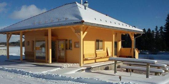 Löffingen, Deutschland: Dorfkiosk im Winter