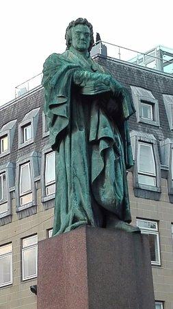 Thomas Chalmers Statue