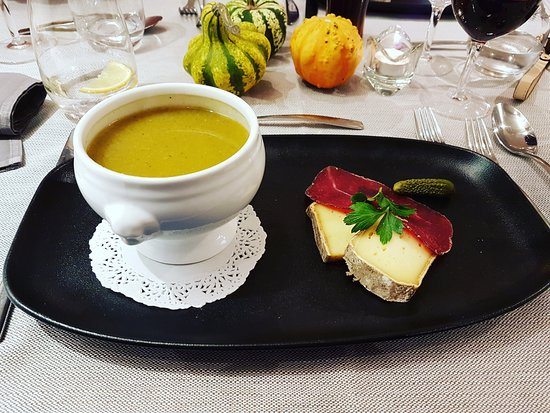 Les Houches, France : vegetable soup [starter]