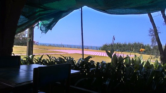 Ullal Beach: view from the resort