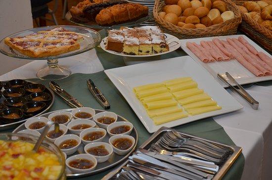 Royal Hotel: Desayuno